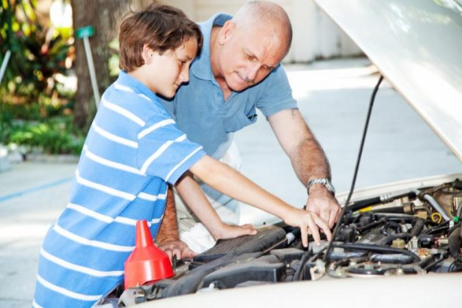 fixing-car-675x450 What Car Issues You Can Fix with AutoZone Tool Rental