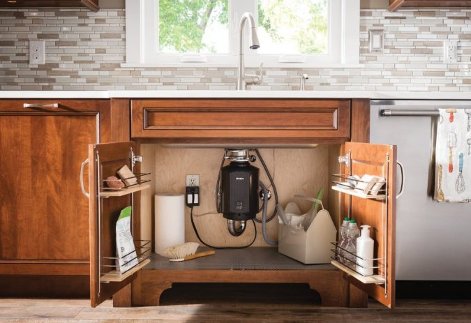 Batch-Feed-Garbage-Disposal-675x463 10 Tips to Buy Best Garbage Disposals for Different Waste Types