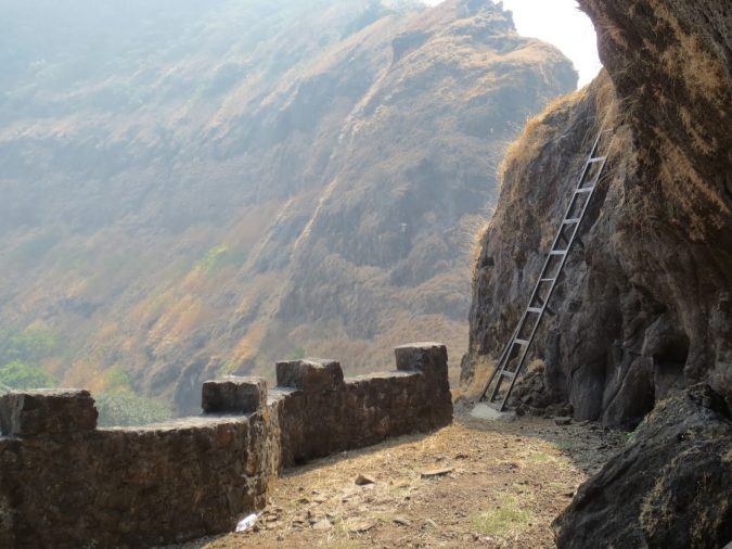Ghangad-Fort-Lonavala-675x506 10 Charming Sites to Visit in Lonavala, India