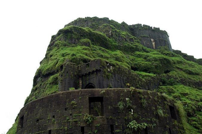 Lohagad-fort-Lonavala-675x449 10 Charming Sites to Visit in Lonavala, India