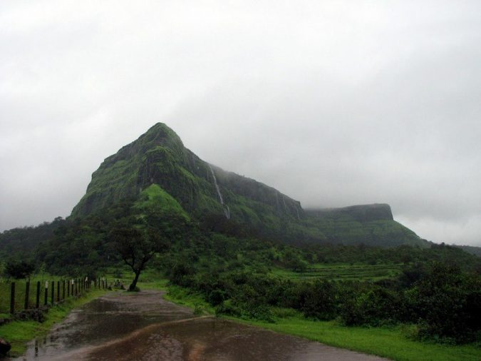 Lonavala-Visapur-Fort-675x506 10 Charming Sites to Visit in Lonavala, India