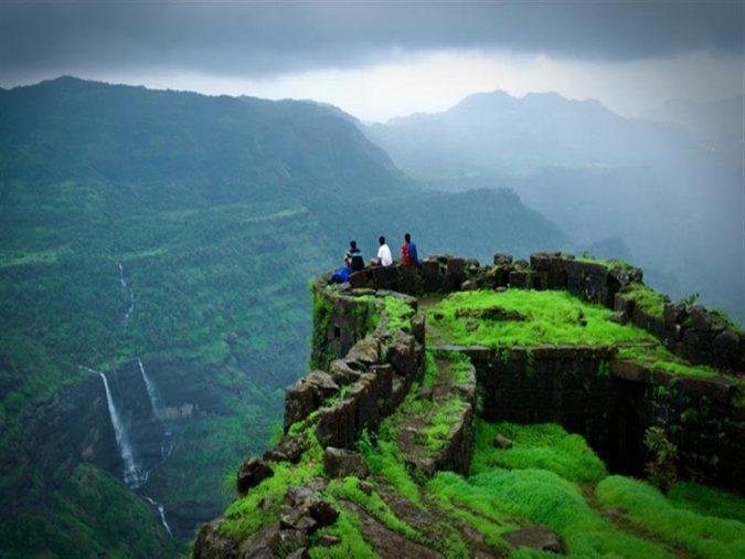 Rajmachi-Fort-Lonavala-675x506 10 Charming Sites to Visit in Lonavala, India