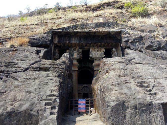 bedse-caves-Lonavala-675x506 10 Charming Sites to Visit in Lonavala, India