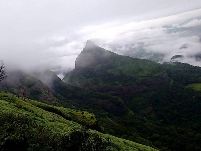 lions-point-Lonavala-675x506 10 Charming Sites to Visit in Lonavala, India