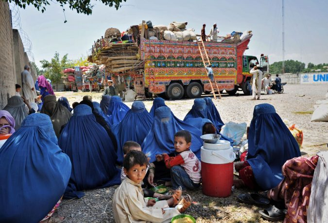 AFGHANS-refugees-in-pakistan-675x460 Best 7 Solar System Project Ideas