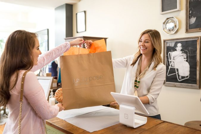 Increase-impulse-buys-impulsive-gift-675x449 10 Branded Gifts & How They Build the Company's Reputation