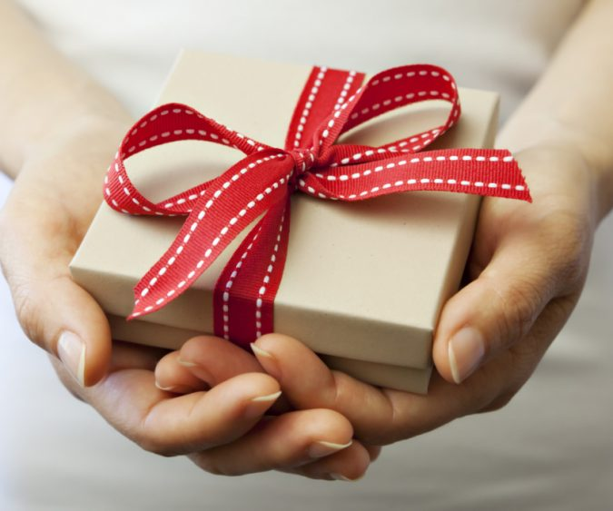 Membership-Gift-2-675x563 10 Branded Gifts & How They Build the Company's Reputation