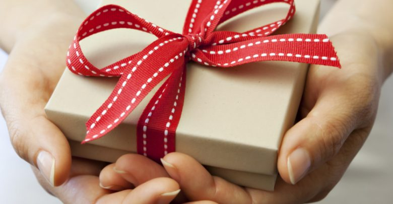 Photo of 10 Branded Gifts & How They Build the Company's Reputation