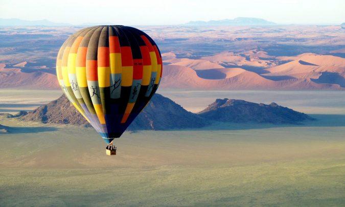 Namibia_Sossusvlei_NamibSkyBalloonSafaris_BalloonLandscape-675x405 World's Rarest Wildlife Places