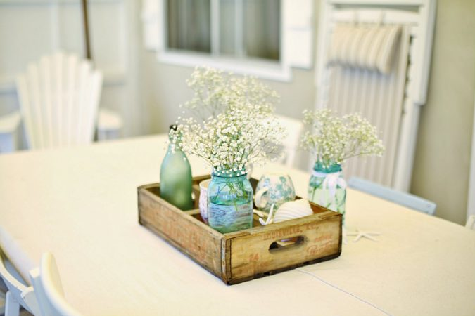 cottage-decorating-with-mason-jars-675x450 10 Awesome Decor Ideas to Borrow from Pinterest Influencers