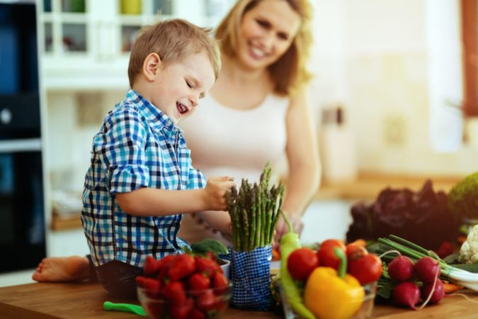 encouraging-healthy-eating-habits-in-children-675x450 10 Things to Consider Before Buying Food for Your Family