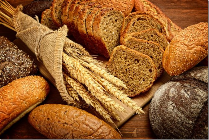 food-whole-grain-bread-675x451 11 Tips on Mixing Antique and Modern Décor Styles