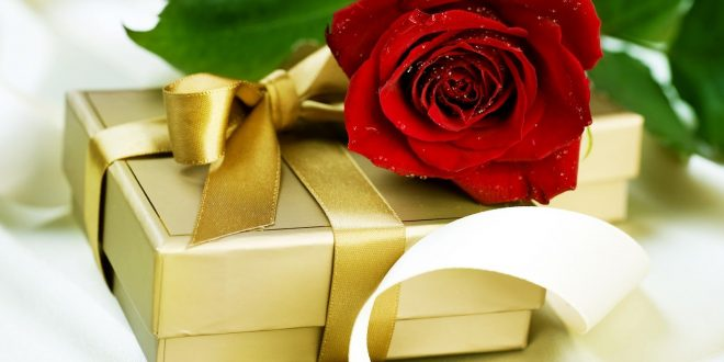 Best Gift Combos with Beautiful Flowers for Various Celebrations