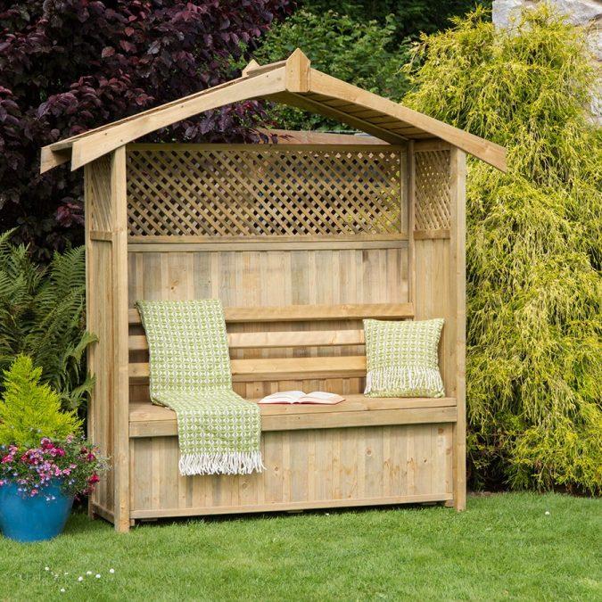 home-garden-wooden-seat-675x675 10 Garden Trends around the World that You Haven't Heard of