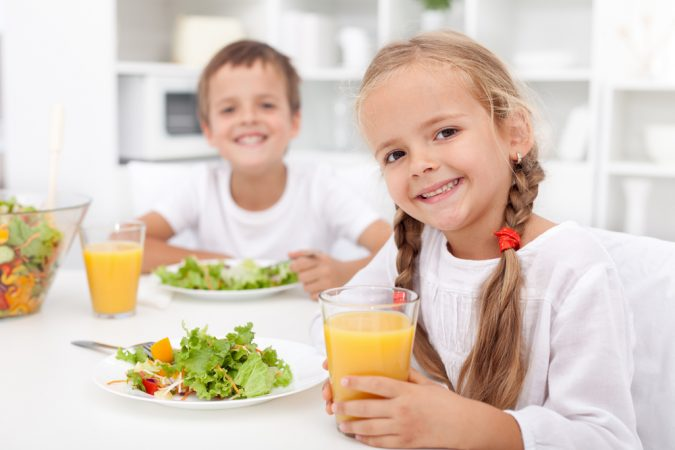 kids-eating-healthy-food-675x450 10 Things to Consider Before Buying Food for Your Family