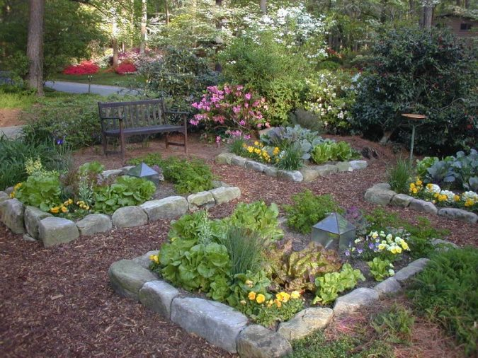 organic-vegetable-garden-herb-edible-stone-cubes-675x506 10 Garden Trends around the World that You Haven't Heard of