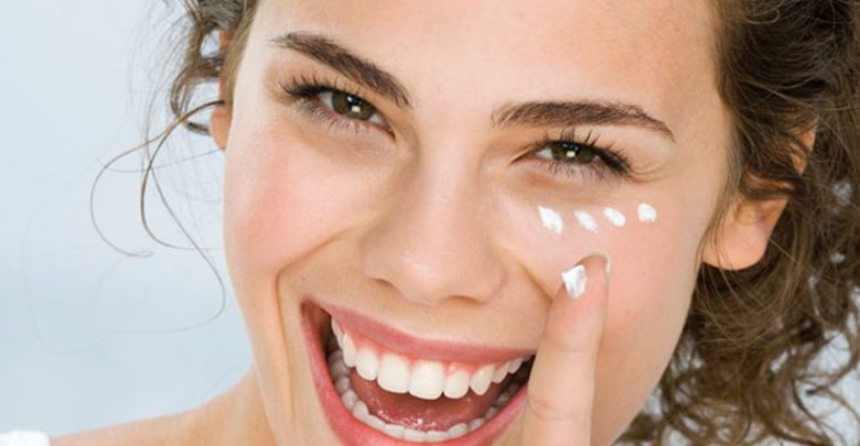 Photo of 10 Tips to Get Rid of Under Eye Lines and Wrinkles