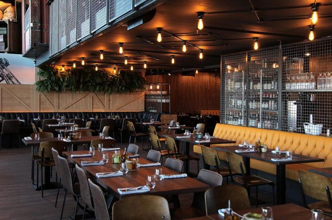 Cargo-restaurant-Energy-saving-light-bulbs-675x448 4 Ways Restaurants Can Go Green with Technology