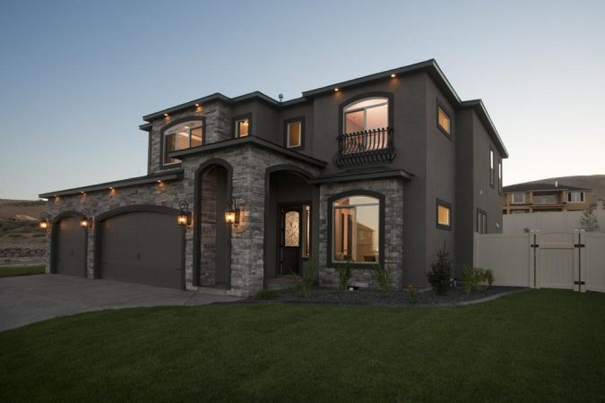 Home-exterior-real-estate-photography-3-675x450 How to Take Great Photos of Your Home