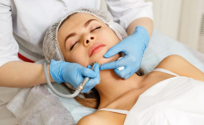 Laser-Treatment-for-Wrinkles-675x412 10 Tips to Get Rid of Under Eye Lines and Wrinkles