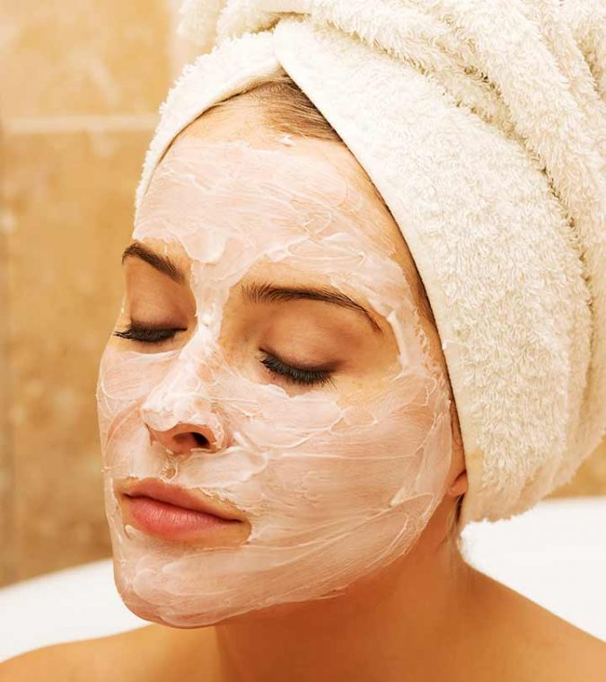 Lemon-And-Baking-Soda-Mask-shutterstock_234303655-675x759 10 Main Steps to Become a Fashion Journalist and Start Your Business