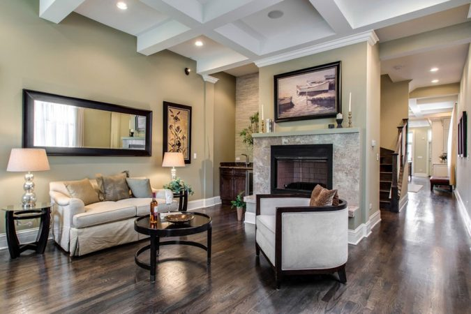Modern-Dark-Hardwood-Floor-Living-Room-home-decoration-675x450 10 Wood Floors Design Ideas for Living Rooms