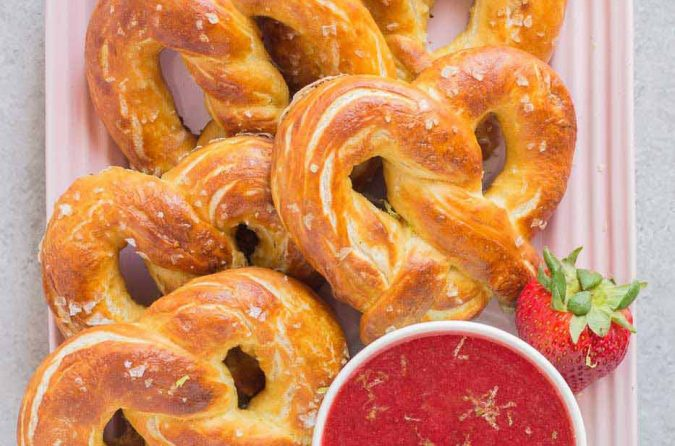 Soft-Pretzels-with-Strawberry-Margarita-Sauce-finger-foods-675x446 Delicious Finger Foods You Won't Be Able to Resist