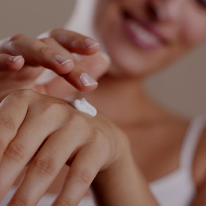 body-moisturizing-675x675 10 Effective Tips for Comfortable Body Waxing