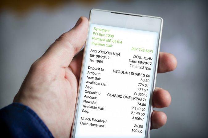 eReceipt-Phone-675x448 4 Ways Restaurants Can Go Green with Technology