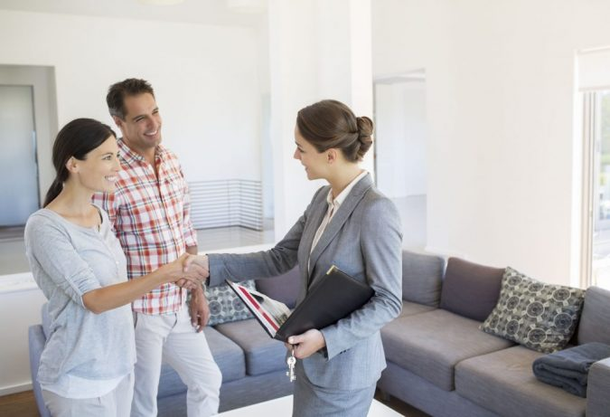 hire-realtor-675x461 How to Prep Your Home for a Sale?