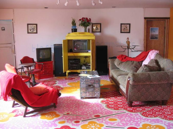 home-decor-living-room-Painte-Hardwood-Floor-675x506 10 Wood Floors Design Ideas for Living Rooms