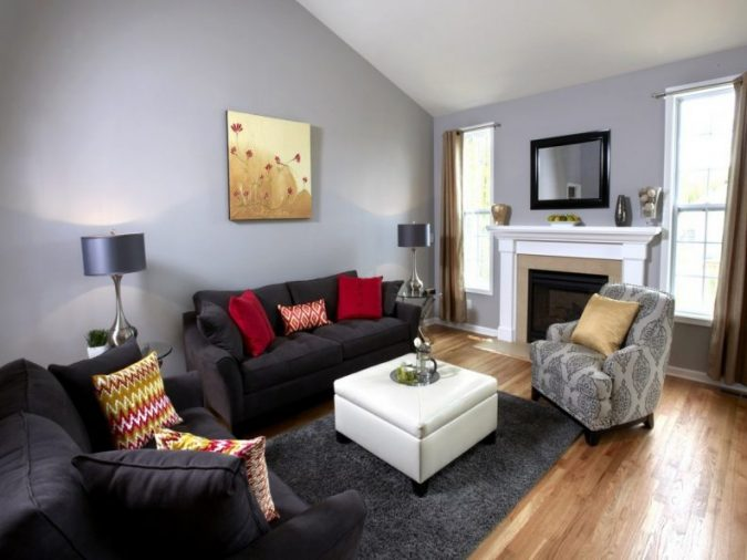 home-decoration-living-room-wooden-floor-and-colorful-furniture-675x506 10 Wood Floors Design Ideas for Living Rooms