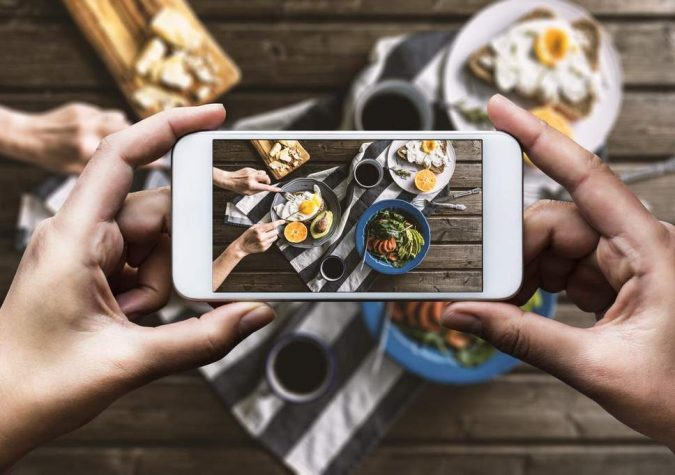 instagramming-food-finding-local-resturants-675x475 Tips for Finding a Great Restaurant While Traveling