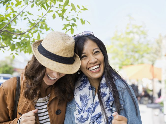 laugh-with-depressed-friend-gettyimages-675x506 8 Ways to Help a Friend with Depression