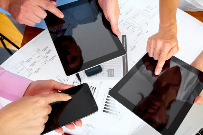 mobile-devices-in-business-675x450 How Technology has Impacted the Small Businesses?