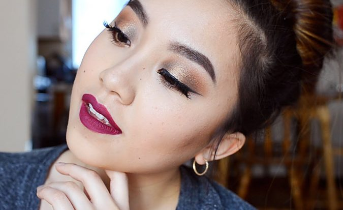 prom-makeup-Smokey-Eyes-675x413 10 Most Creative Prom Makeup Ideas That Are Trending