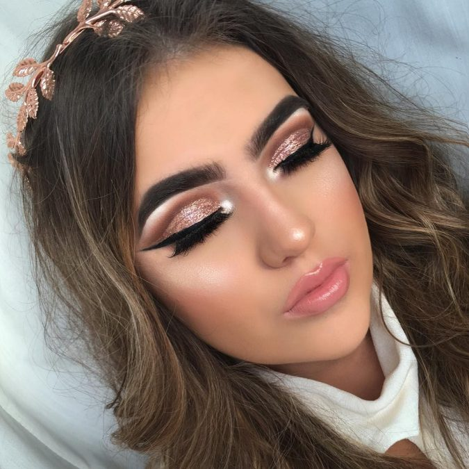 prom-makeup-glitter-eyes-675x675 10 Most Creative Prom Makeup Ideas That Are Trending