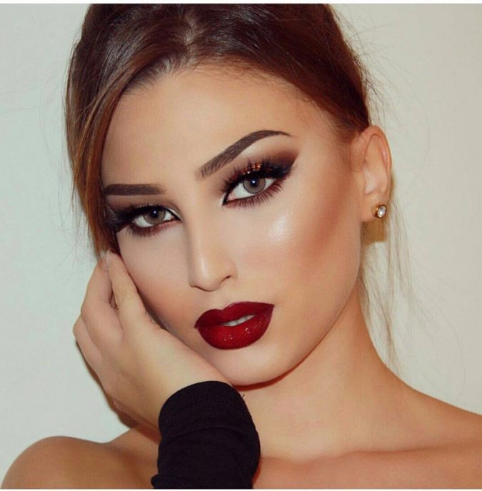 prom-makeup-red-675x688 10 Most Creative Prom Makeup Ideas That Are Trending