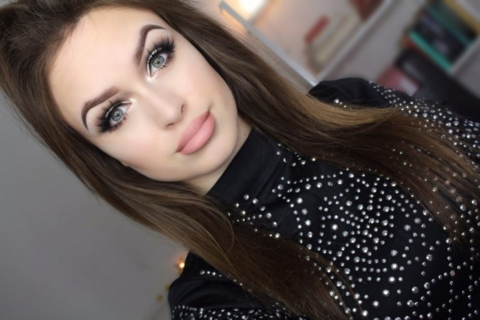prom-makeyp-Smokey-Eyes-675x450 10 Most Creative Prom Makeup Ideas That Are Trending