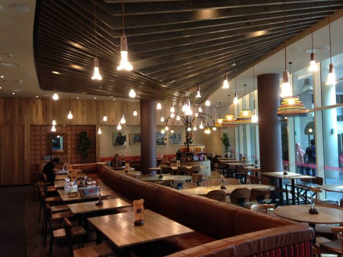 restaurant-energy-saving-light-bulbs-675x506 4 Ways Restaurants Can Go Green with Technology