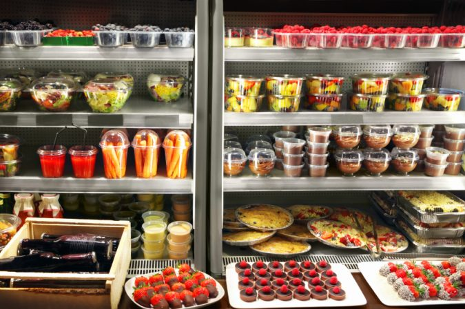 supermarket-commercial-refrigeration-675x449 4 Ways Restaurants Can Go Green with Technology