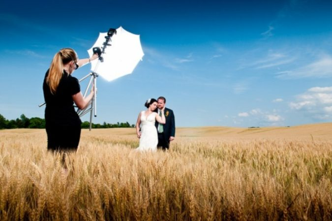 wedding-photographer-2-675x449 Top 10 Best Photography Tips for Travelers
