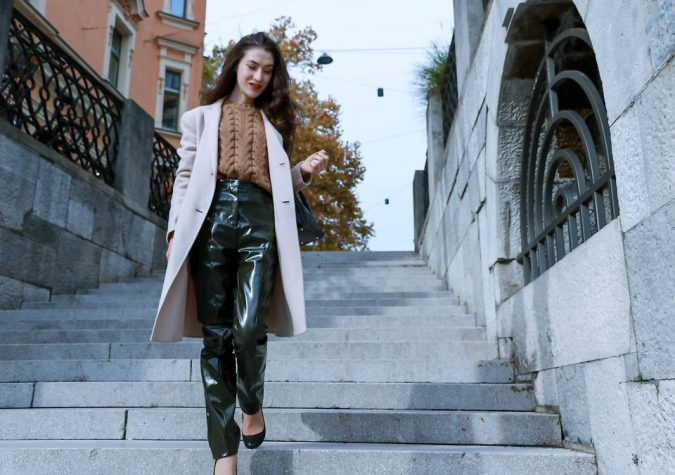 Business-chic-outfit-675x475 80 Elegant Fall & Winter Outfit Ideas 2020