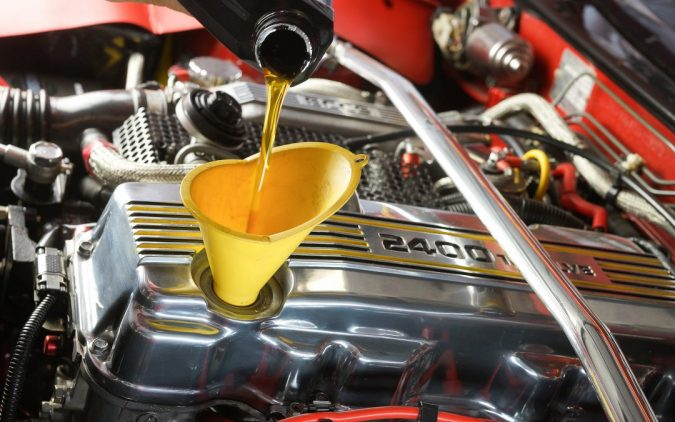Changethe-car-Engine-Oil-675x422 10 Essential Car Maintenance Tips That You Should Know