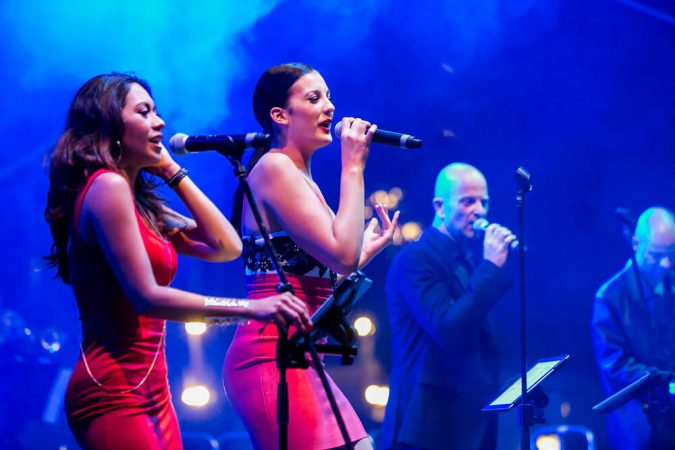 Chunky-Jam-corporate-cover-band-partyband-melbourne-675x450 5 Styles of Function Band for a Cracking Christmas Party