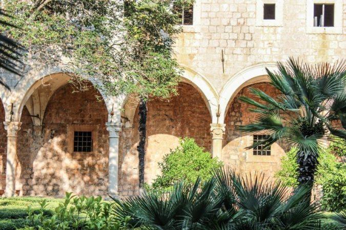 Dubrovnik-Benedictine-monastery-675x450 Best 10 Dubrovnik Scenes & Beaches that Attract Tourists