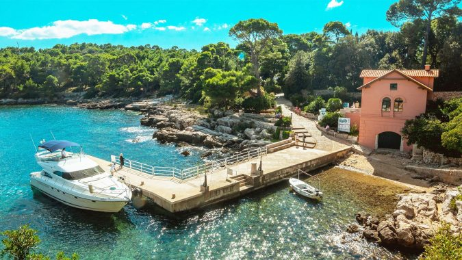 Dubrovnik-Lokrum-Island-2-675x380 Best 10 Dubrovnik Scenes & Beaches that Attract Tourists