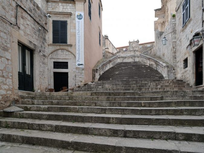 Dubrovnik-Saint-Ignatius-Church-675x507 Best 10 Dubrovnik Scenes & Beaches that Attract Tourists