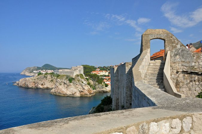 Dubrovnik-the-old-city-walls-2-675x448 Best 10 Dubrovnik Scenes & Beaches that Attract Tourists