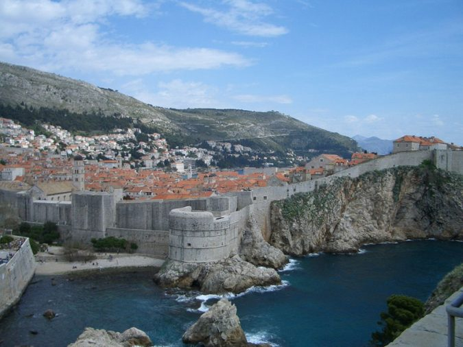 Dubrovnik-the-old-city-walls-675x506 Best 10 Dubrovnik Scenes & Beaches that Attract Tourists